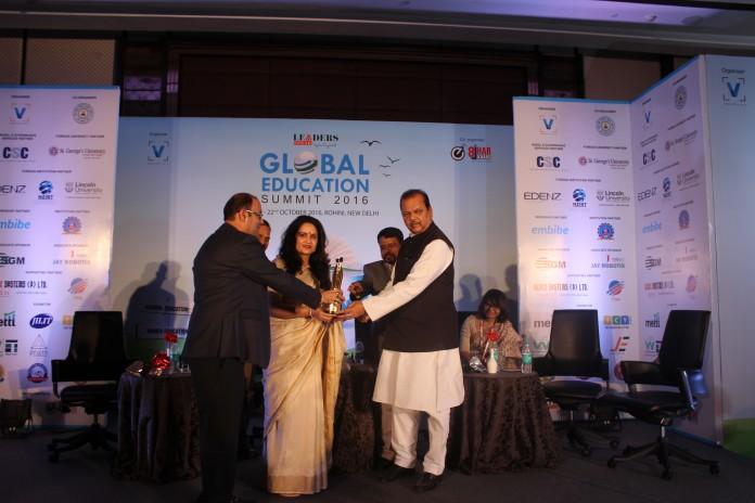 Mata Bhagwanti Chadha Niketan receives the 'Leaders Speak Global Education Summit Award 2016'