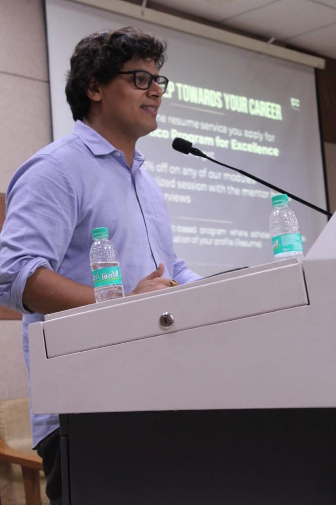 Nikhil Chainani, addressing the students in Rajdhani collage
