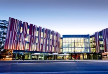 Online MBA Course in Macquarie University Australia