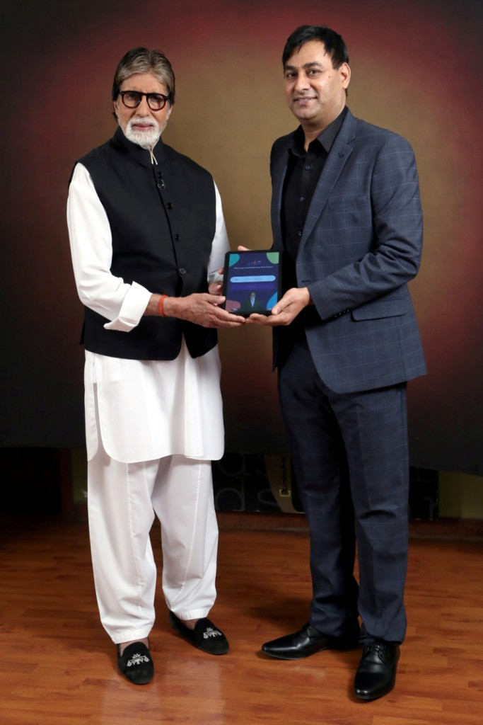 Mr Amitabh Bachchan and Mr Praveen Tyagi of STEPapp (1)